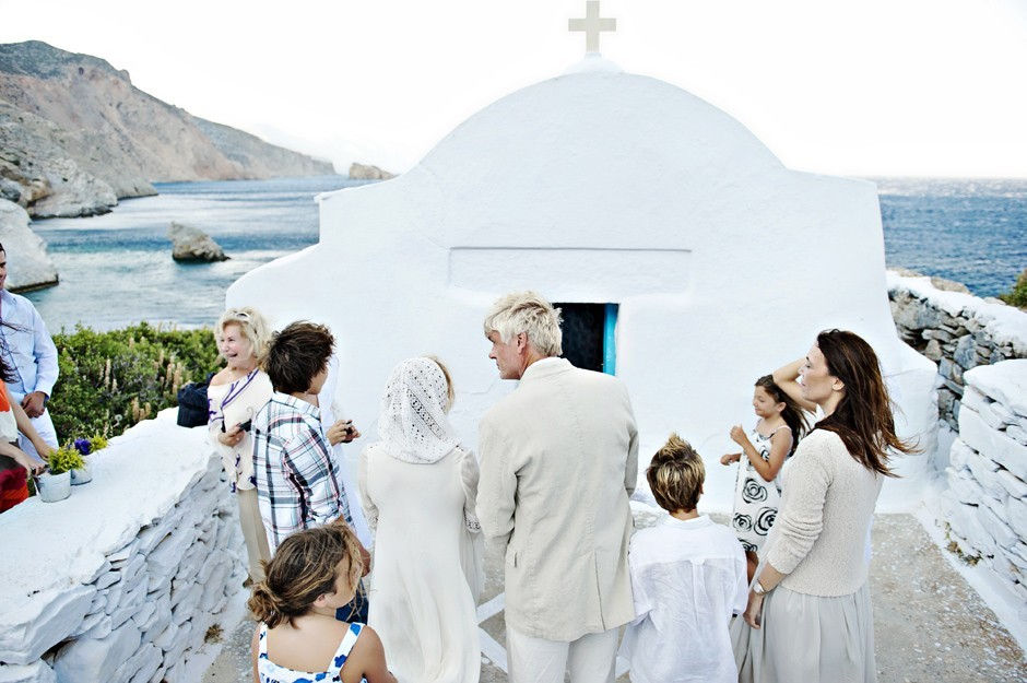 wedding ceremony in saint Anna white chapel amorgos