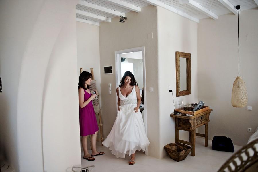 bride getting ready in st George mykonos