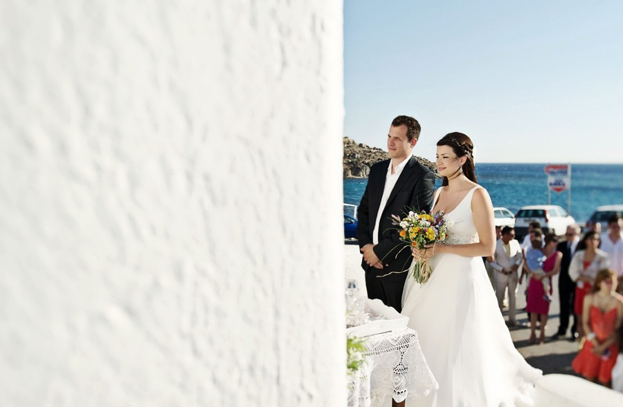wedding couple in mykonos wedding ceremony