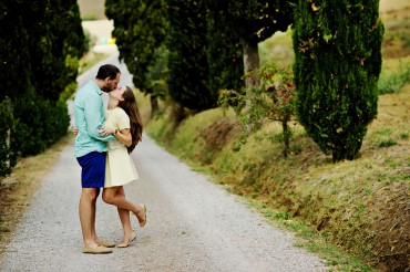 honeymoon wedding photoshoot in tuscany