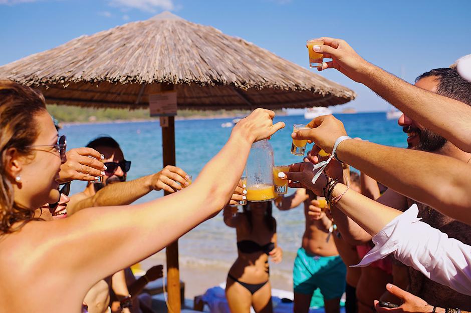 pre wedding beach photos