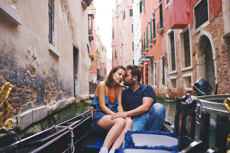 wedding couple in venice pictures