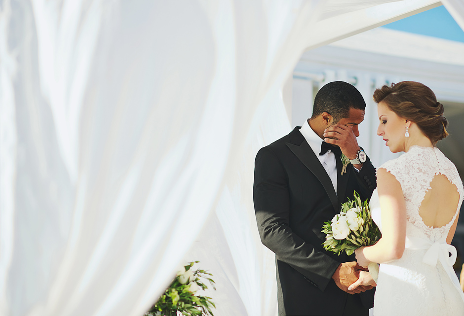 couple is tying the knot in la maltese hotel