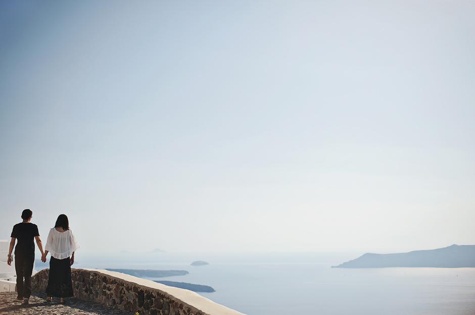 santorini-engagement-photoshoot