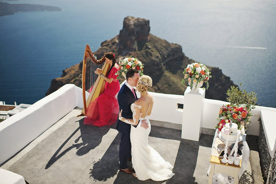 elopement in santorini oia photos 026