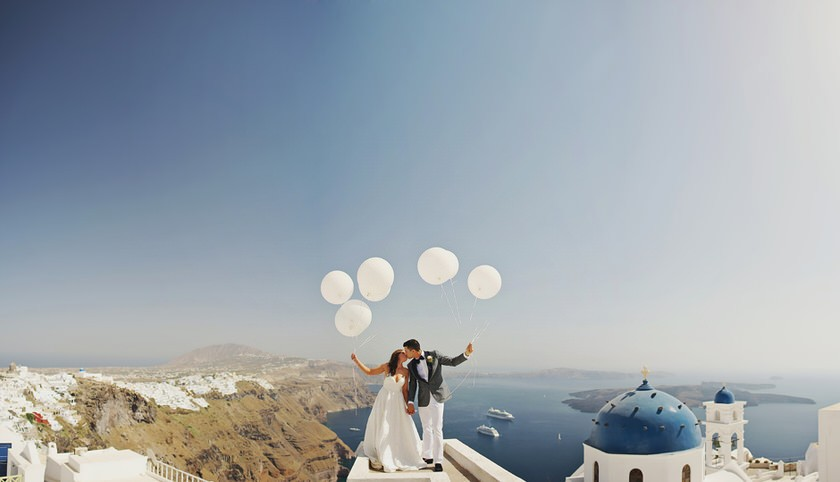 elopement in santorini canaves suites 36