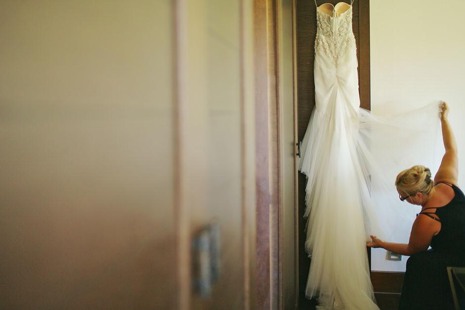 photos at wedding costa navarino