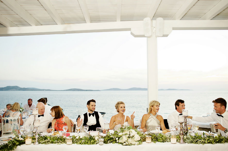 bridal table at the wedding reception in mykonos