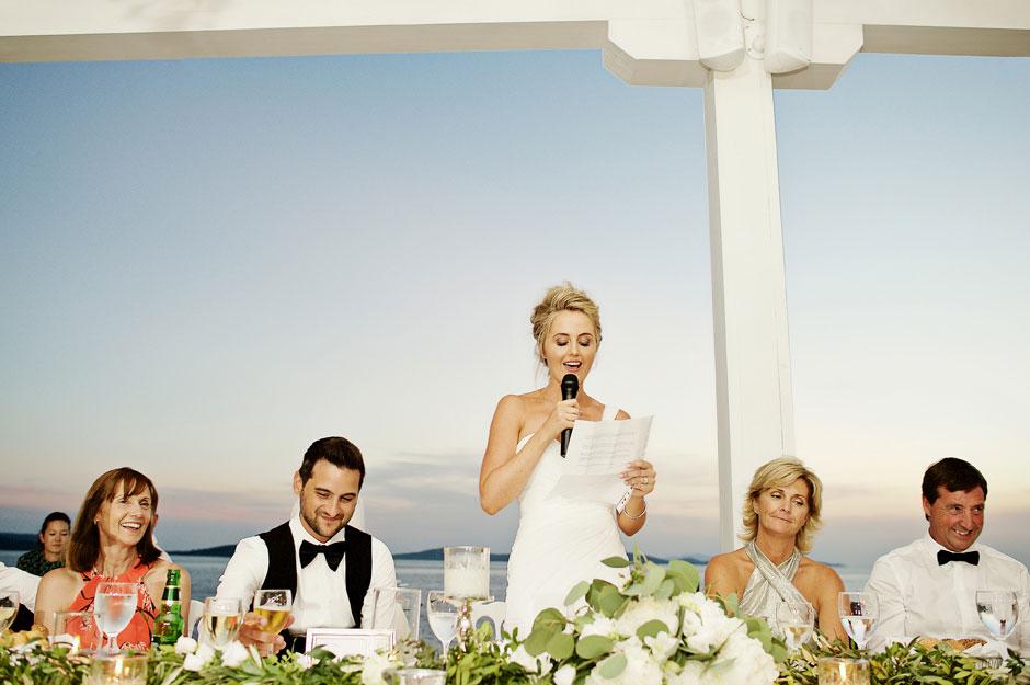 bride speech during wedding dinner in mykonos