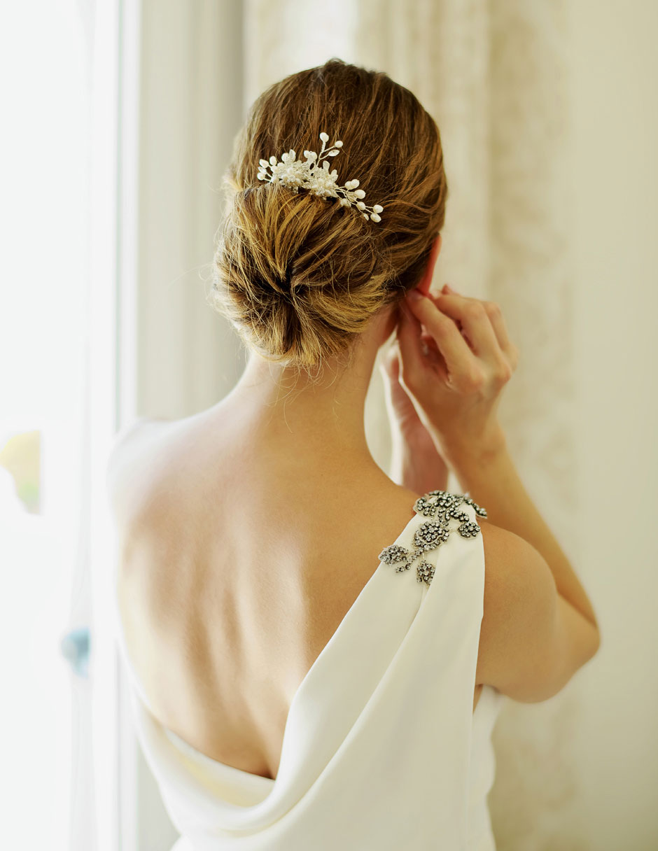 bride wearing her earings