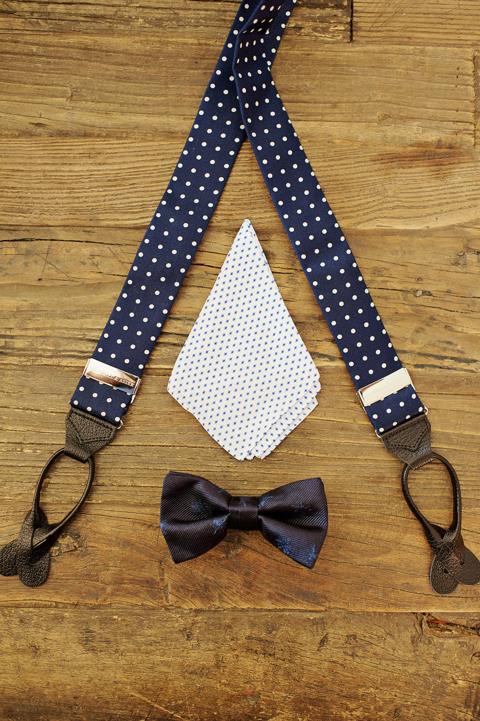 groom bow tie & suspenders on naxos wedding