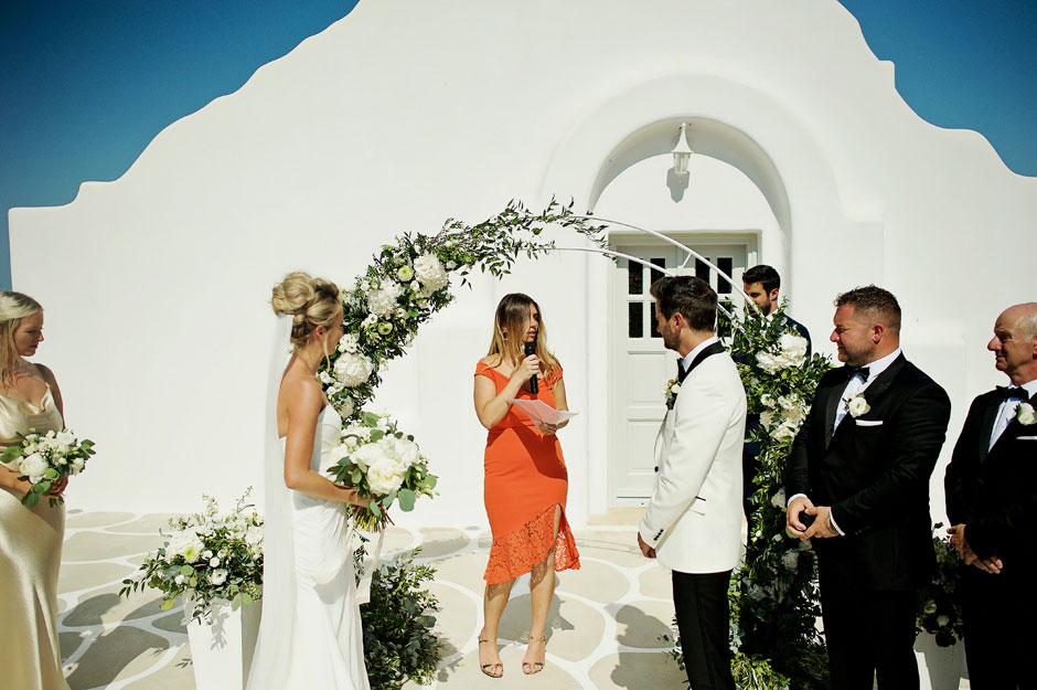 wedding celebrant in mykonos