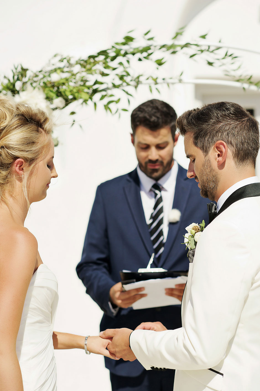 wedding ceremony in mykonos ring enchange