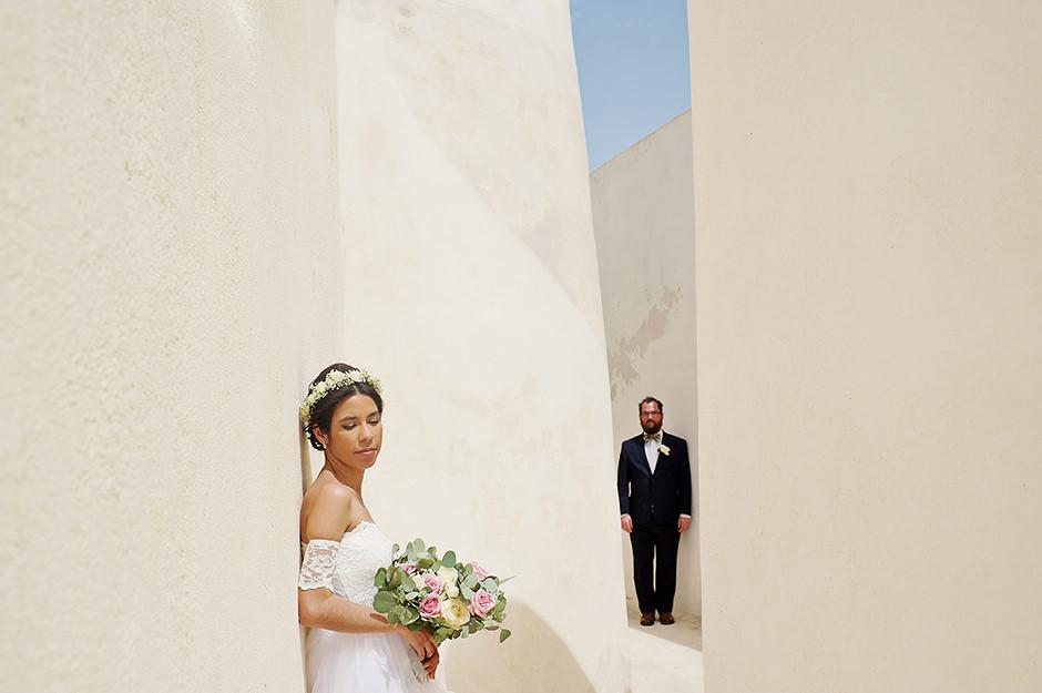 wedding photos in santorini