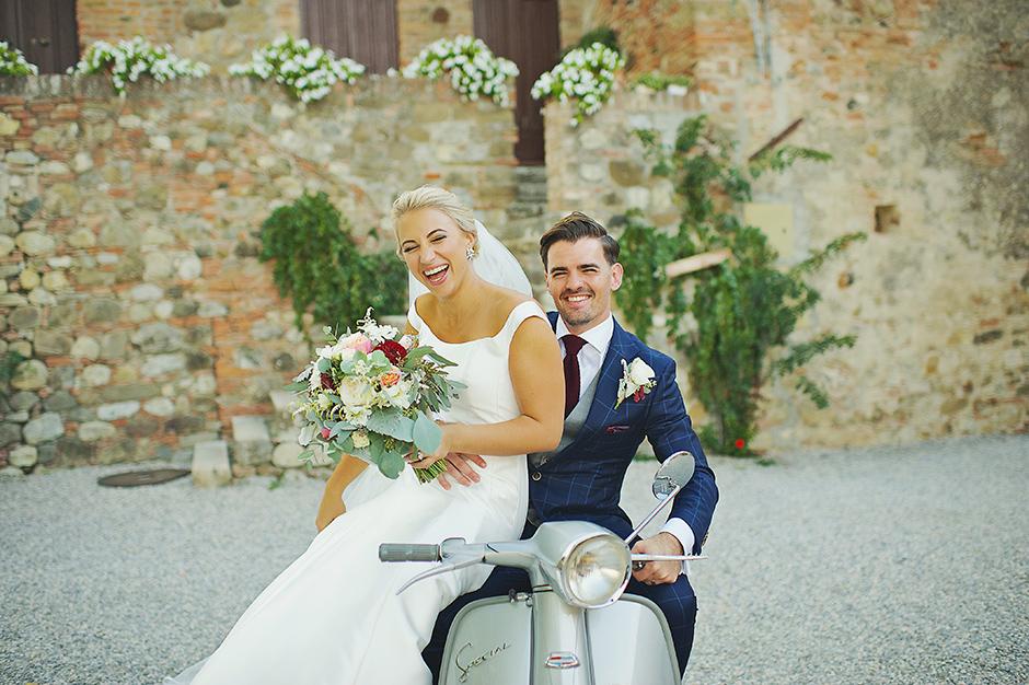 wedding-couple-intimate-wedding